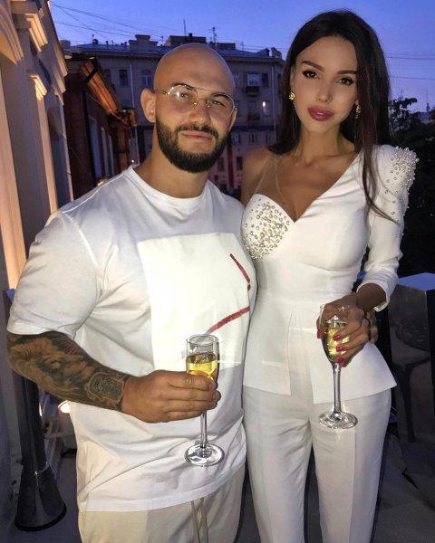 Супруга рэпера Джигана Оксана Самойлова прокомментировала разницу в росте с мужем