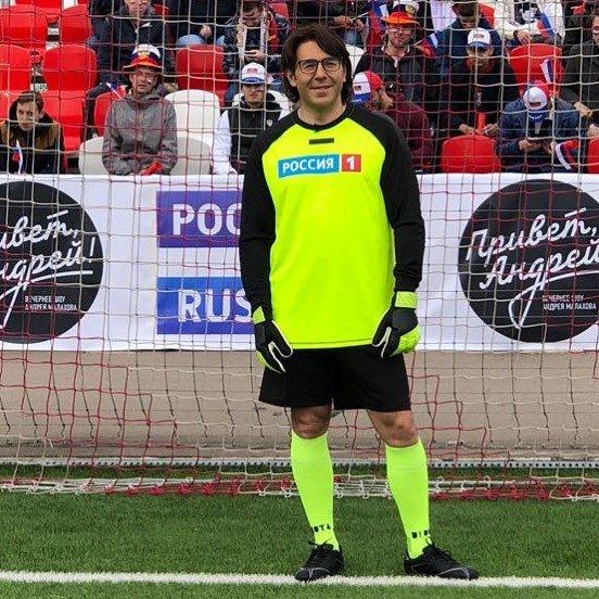 Снявший штаны ради сборной России Андрей Малахов порадовал зрителей