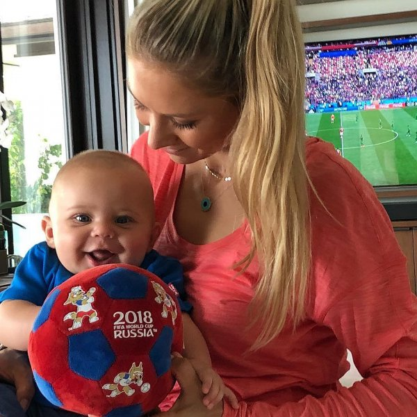 Иглесиас и Курникова заставляют свои детей болеть за разные команды на ЧМ-2018