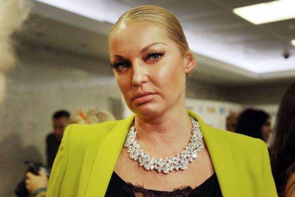 «Поцелуй меня в пачку!»: Анастасия Волочкова «взорвала» Сеть архивным снимком