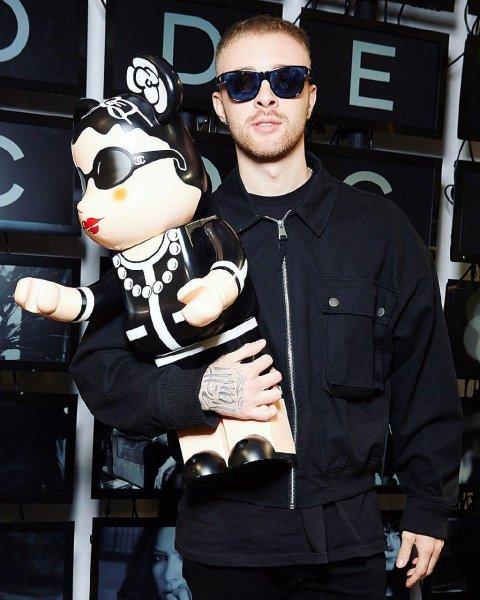 Егор Крид променял Дарью Клюкину на пластиковую куклу