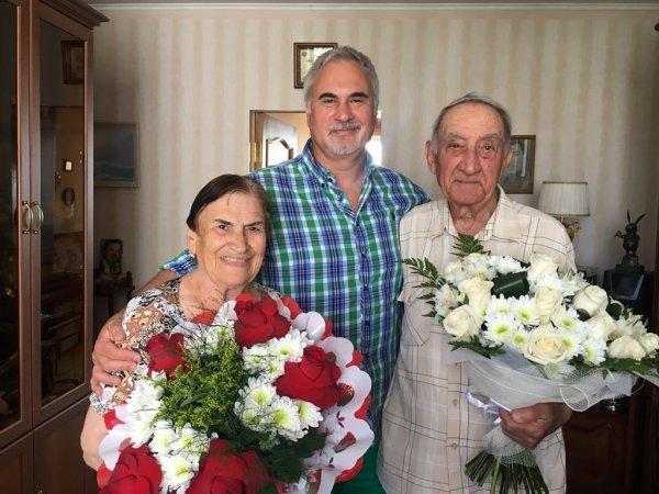 Валерий Меладзе показал уникальный снимок с пожилыми родителями