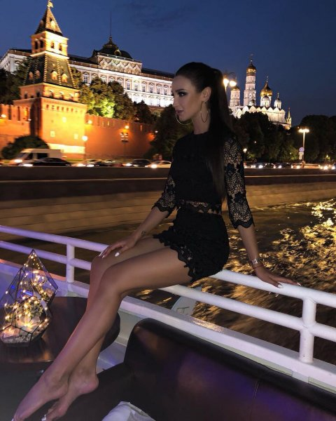 Бузова заявила, что Москва принадлежит ей и разозлила фанатов