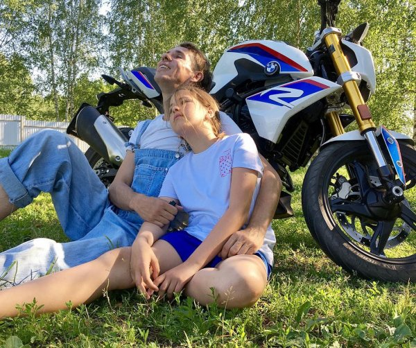 «И пусть весь мир подождет»: Панин показал милое фото с дочерью