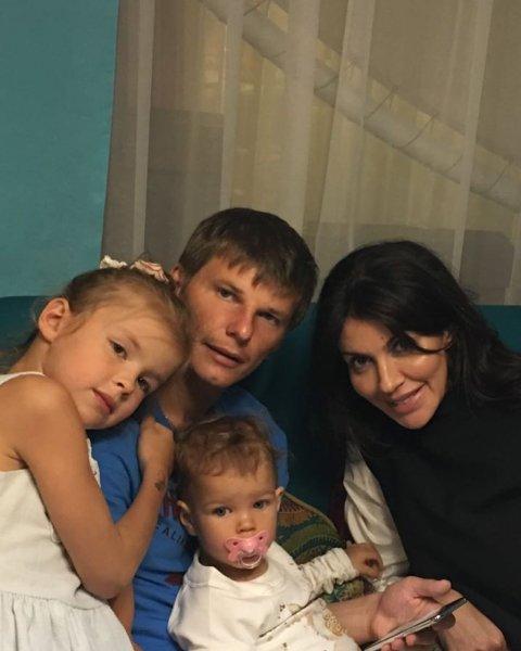 Супруга Андрея Аршавина показала годовалую дочь
