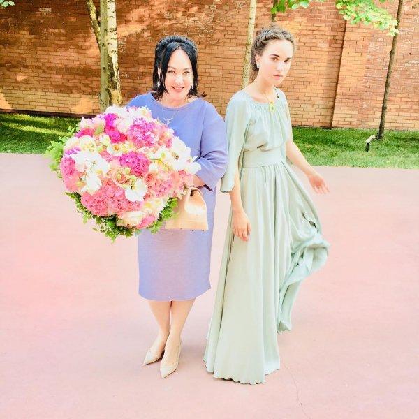 Лариса Гузеева очаровала интернет фотографией с дочерью