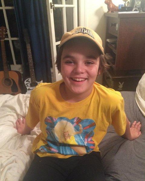 У сына Джонни Деппа и Ванессы Паради диагностированы серьезные проблемы со здоровьем