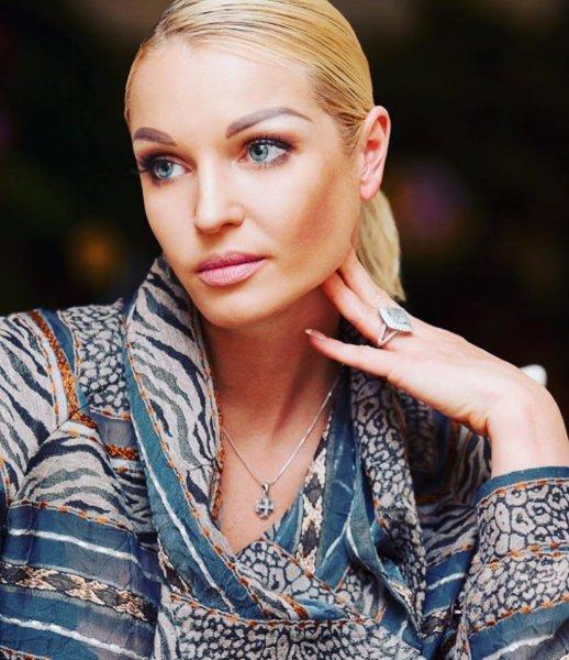 Одинокая пьющая женщина: Фанаты жалеют Волочкову за сломленную карьеру