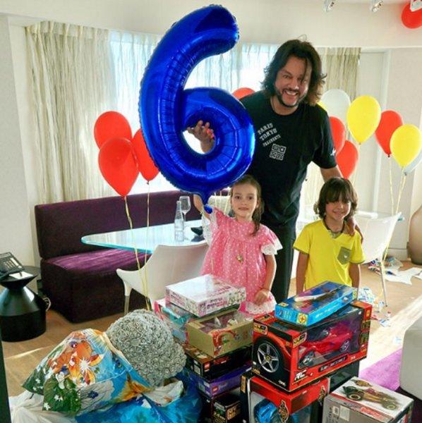 Сына Киркорова на день рождения задарили игрушечными автомобилями