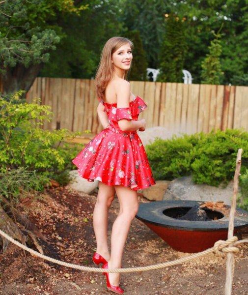 Из заучки в принцессы: Звезда телесериала «Папины дочки» удивила поклонников коротким платьем