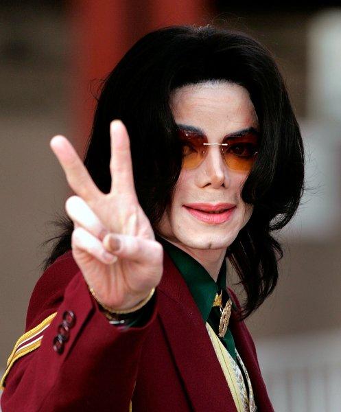 СМИ: Увлечение черной магией свело Майкла Джексона в могилу
