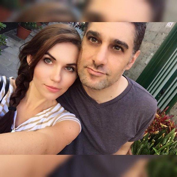 Внебрачная дочь Александра Серова устроила свадебную церемонию в США