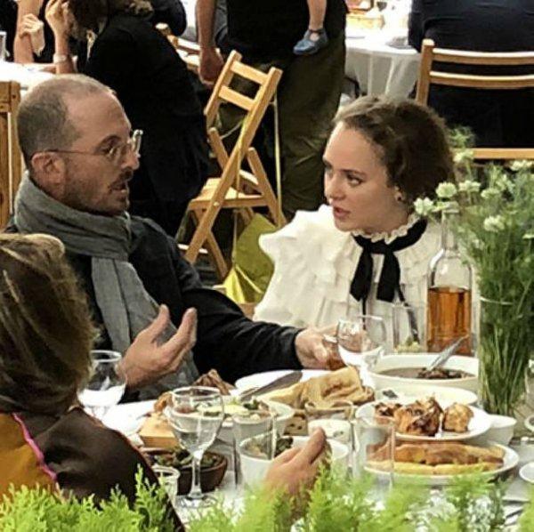 Аглая Тарасова пытается захомутать бывшего возлюбленного Дженнифер Лоуренс