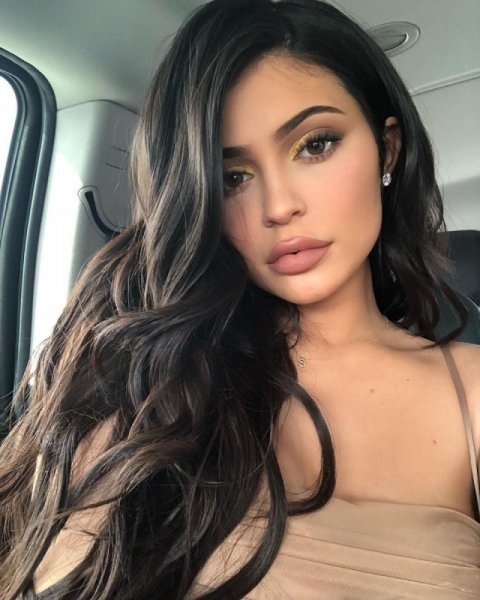 Кайли Дженнер рассказала, кому в будущем передаст свою империю Kylie Cosmetics