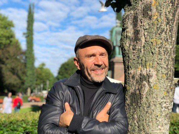 «Куда уходят бабы?»: Разведённый Сергей Шнуров заскучал без женского внимания
