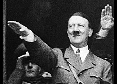 Нацистское приветствие: Ольгу Бузову хейтеры снова обвинили в поклонении Гитлеру