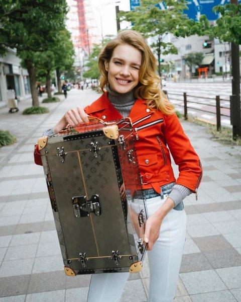 «Плоская, как доска»: Откровенные фото Натальи Водяновой расстроили фанатов