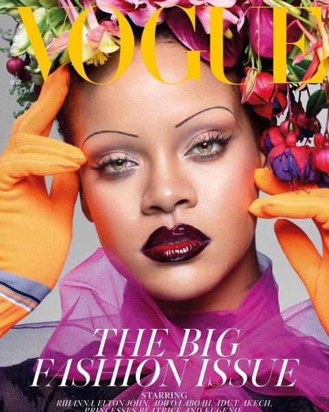 Рвёт шаблоны: Рианна стала первой темнокожей женщиной на обложке Vogue