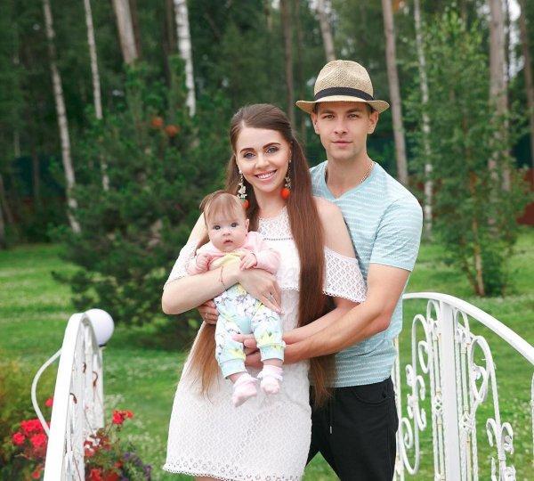 «Красный день календаря»: Ольгу Рапунцель раскритиковали за ежемесячные Дни рождения дочери