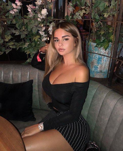 «Русская Кардашьян» снова опозорилась из-за фотошопа своей фигуры