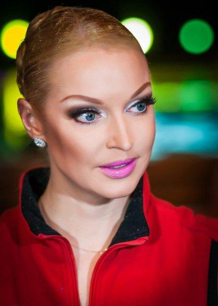 Анастасия Волочкова ужаснула поклонников порно-платьем в сеточку