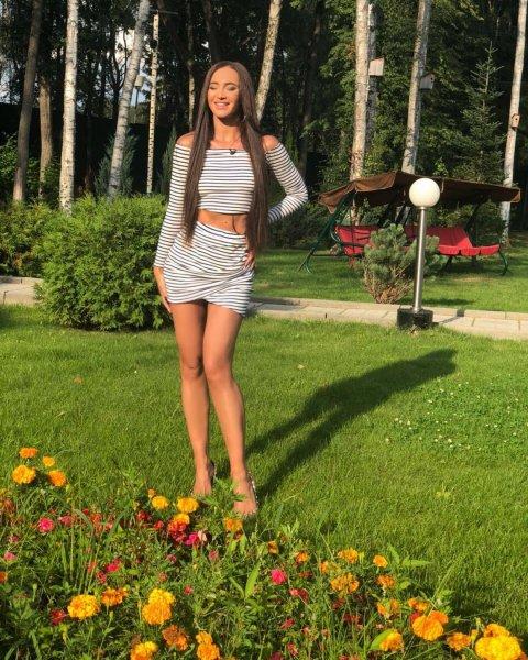 Ольга Бузова удивила поклонников удивительным морским нарядом