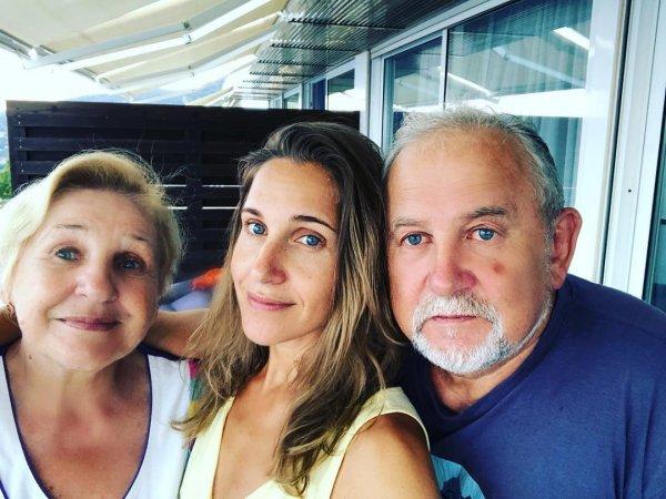 «Копия мамы»: Юлия Ковальчук поздравила родителей  с годовщиной