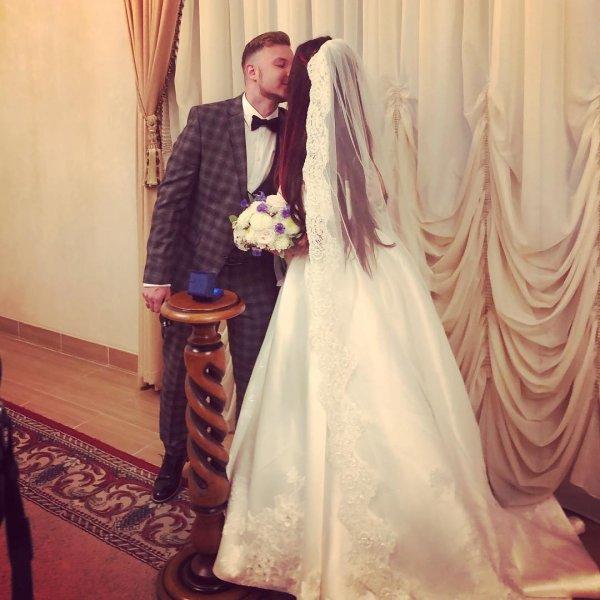 32-летняя певица Бьянка вышла замуж за своего гитариста