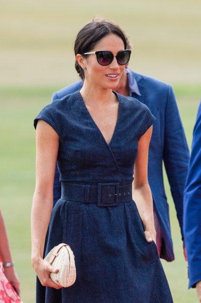 Золотые очки за 707 долларов, надетые Меган Маркл, стали новым «криком моды»