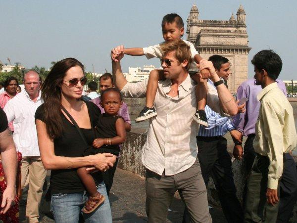Анджелина Джоли пожаловалась на маленькие алименты от Брэда Питта