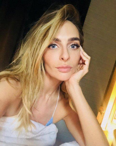 А кто сверху  на тебе? Варнава в мокрой майке решила наплевать на диету из-за чемпионата PotatoRussia-2018