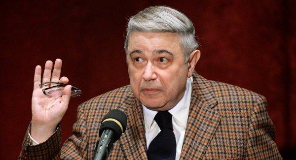 Петросян отдыхает в Крыму несмотря на развод со Степаненко