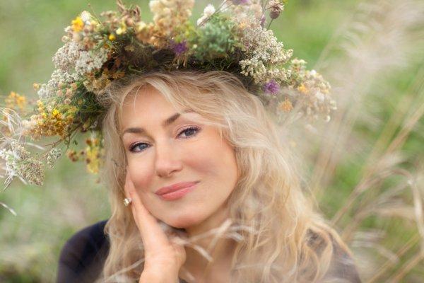 Толпа поклонников чуть не затоптала Марию Шукшину