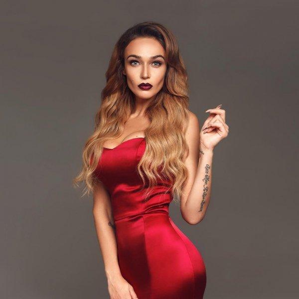 Водонаева призывает не выходить замуж за мужиков, делающих селфи