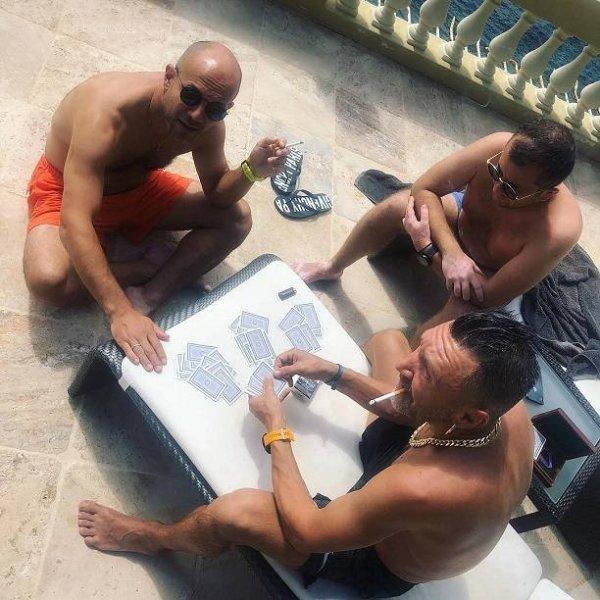 Сергей Шнуров отпраздновал развод с Матильдой случайным сексом в Италии