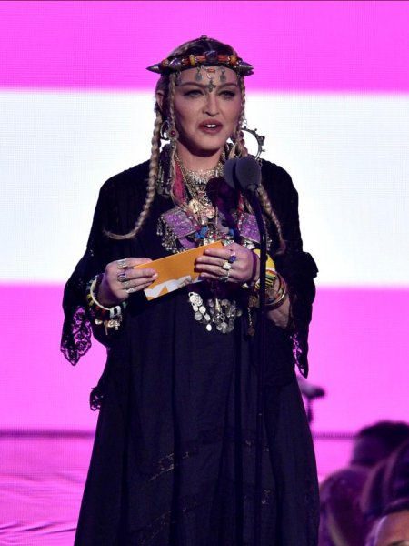 Зрители высмеяли Мадонну за самовлюблённый трибьют Арете Франклин