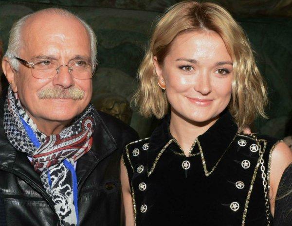 Конфликт между Михалковым и его дочерью продолжается