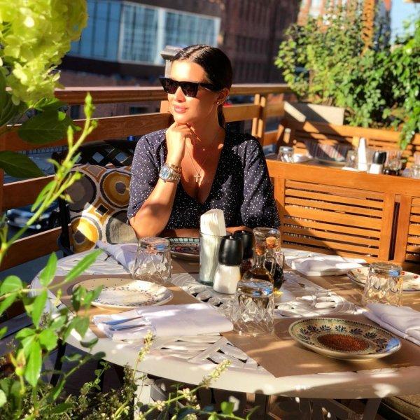 «Надо было перевернуть тарелку»: Бородина в День Государственного флага РФ собрала завтрак-триколор
