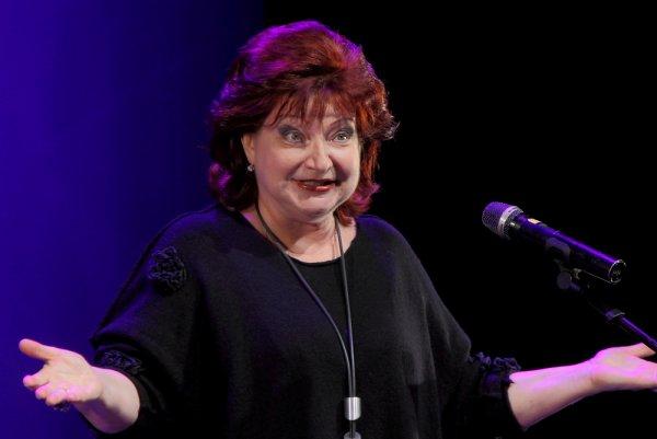 Елена Степаненко язвила насчет «сволочей-мужчин» на концерте в Ялте