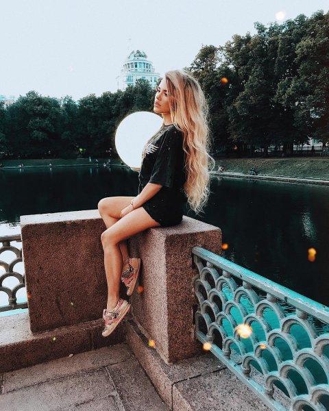 История взаимоотношений Серова и участницы «Дома-2» получила новый поворот