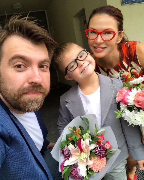 Беременная Эвелина Бледанс объединилась с бывшим мужем ради общего сына