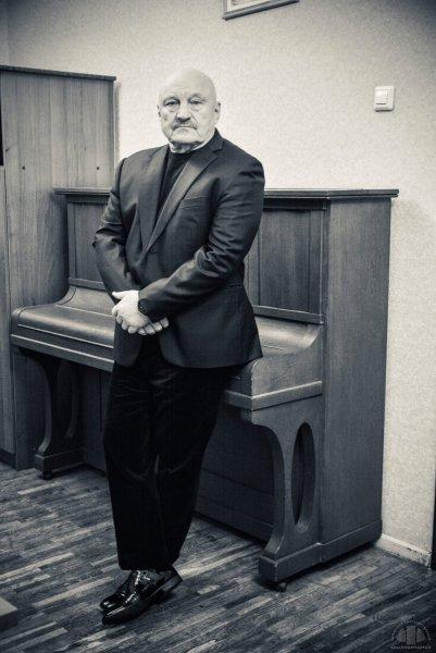 Актер сериала «Каменская» признался, что запил после смерти жены