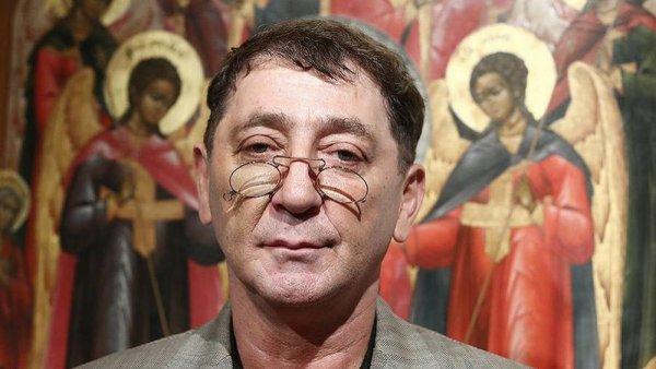 Совсем не святой: Лепса обвинили в лицемерии после выставки икон в Москве