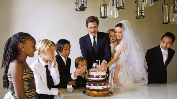 Показывал детям ягодицы: Джоли рассказала в суде об ужасных непристойностях Брэда Питта