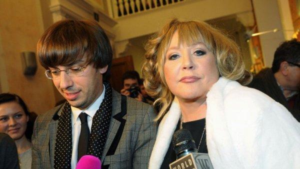 Слишком уверена в себе: Пугачева не реагирует на слухи об изменах Галкина