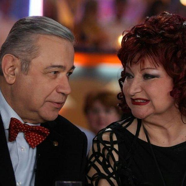 Резиденты Comedy Club на телевидении высмеяли развод Петросяна и Степаненко