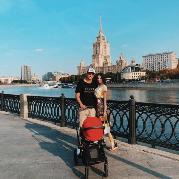 «Старая любовь не ржавеет»: Фанаты считают, что Тарасов до сих пор «сохнет» по Бузовой