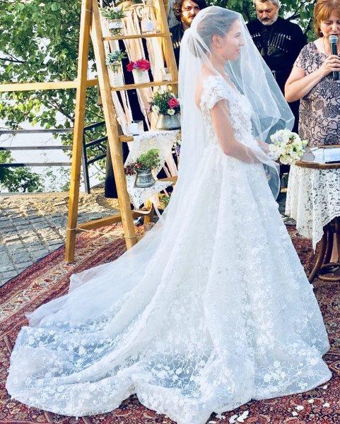 «Я не сваха»: Лариса Гузеева шокировала зрителей правдой о шоу «Давай поженимся»