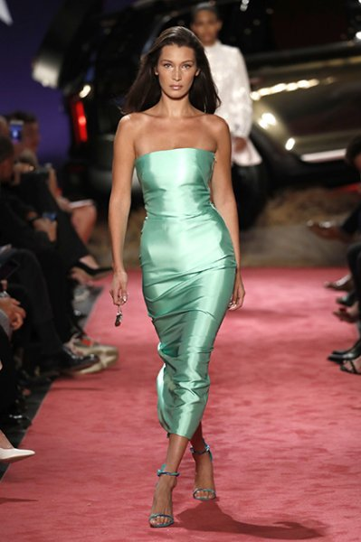 Джиджи и Белла Хадид блеснули на неделе моды в Нью-Йорке
