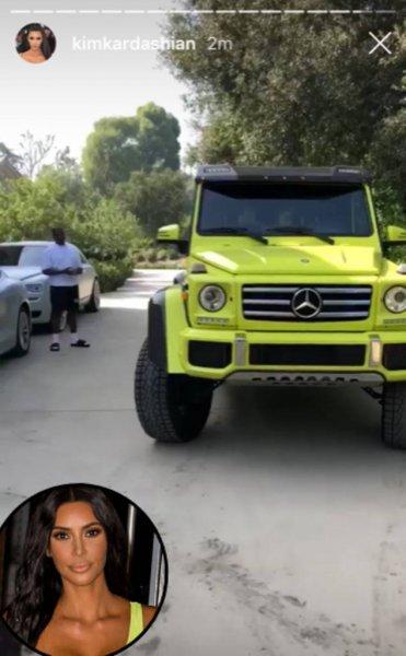 Померялись автомобилями: Кайли Дженнер своим автопарком превзошла Ким Кардашьян - соцсети